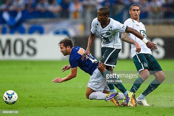 Everton Ribeiro of Cruzeiro and Thiago Mendes of Goias battle for the ball during a match between Cruzeiro and Goias as part of Brasileirao Series A...