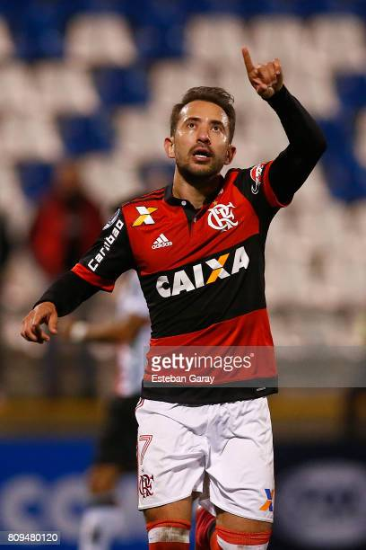 Everton Ribeiro of Flamengo celebrates after scoring the fifth goal of his team during a match between Palestino and Flamengo as part of second round...