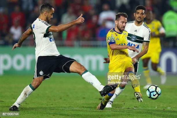 Everton Ribeiro of Flamengo struggles for the ball with Alan Santos of Coritiba during a match between Flamengo and Coritiba as part of Brasileirao...