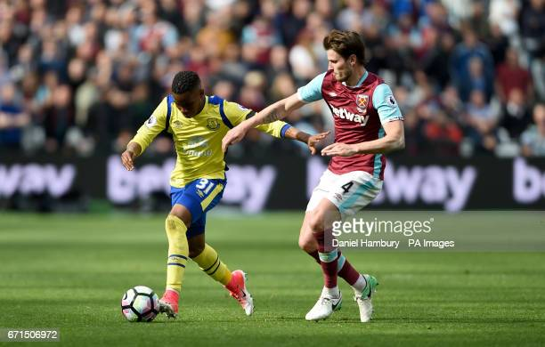 Everton's Ademola Lookman and West Ham United's Havard Nordtveit during the Premier League match at London Stadium