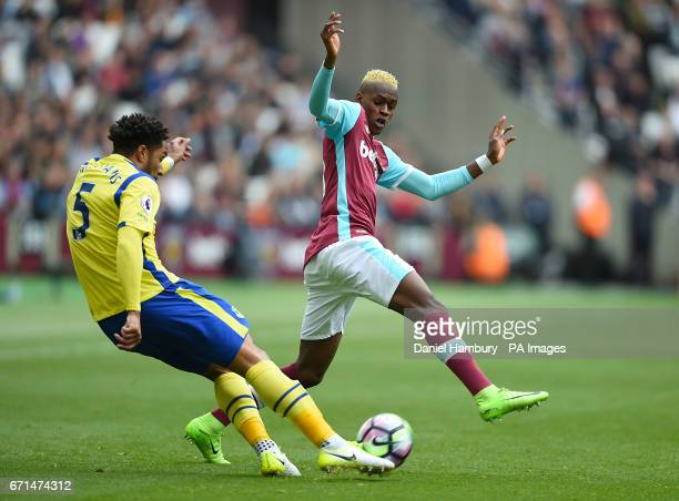 Everton's Ashley Williams and West Ham United's Edimilson Fernandes battle for the ball during the Premier League match at London Stadium