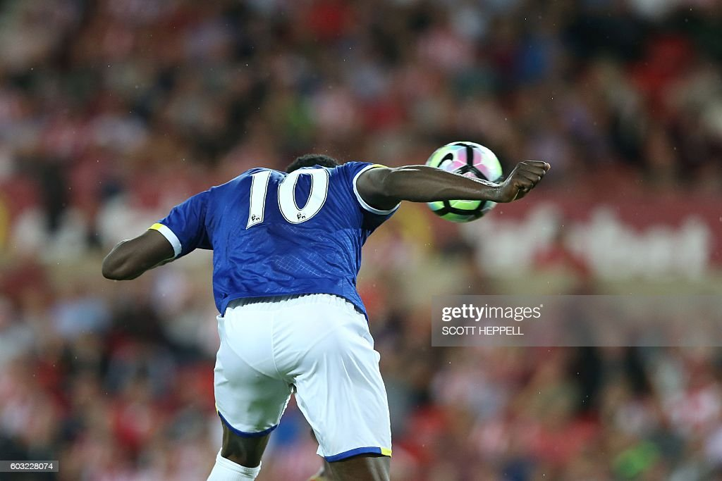 Everton's Belgian striker Romelu Lukaku scores his team's second goal during the English Premier League football match between Sunderland and Everton at the Stadium of Light in Sunderland, north-east England on September 12, 2016. / AFP / SCOTT HEPPELL / RESTRICTED TO EDITORIAL USE. No use with unauthorized audio, video, data, fixture lists, club/league logos or 'live' services. Online in-match use limited to 75 images, no video emulation. No use in betting, games or single club/league/player publications. /