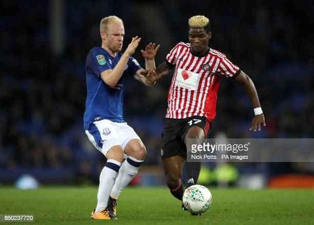 Everton's Davy Klaassen and Sunderland's Didier Ibrahim Ndong battle for the ball during the Carabao Cup Third Round match at Goodison Park Liverpool