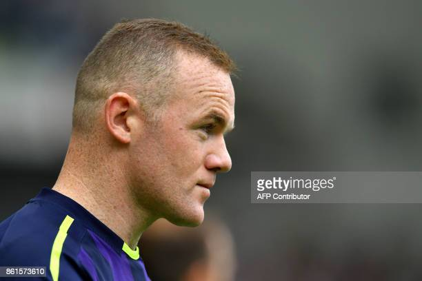 Everton's English striker Wayne Rooney looks on prior to the English Premier League football match between Brighton and Hove Albion and Everton at...