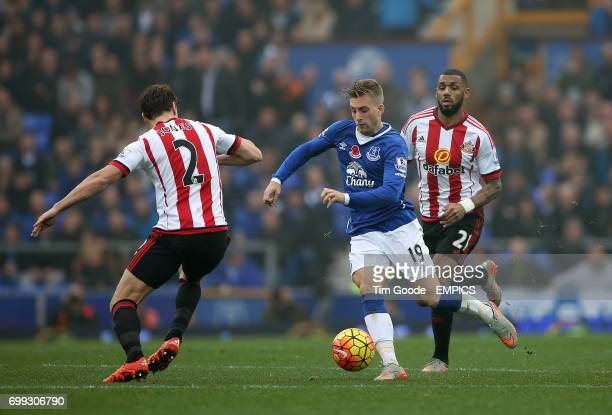 Everton's Gerard Deulofeu in action