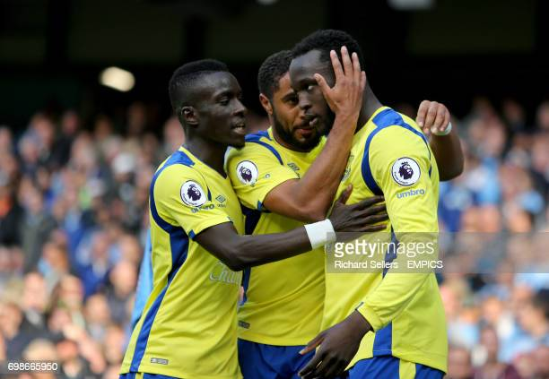 Everton's Idrissa Gueye and Ashley Williams congratulate Romelu Lukaku after he scores his side's first goal