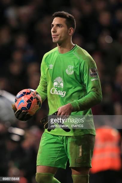 Everton's Joel Robles
