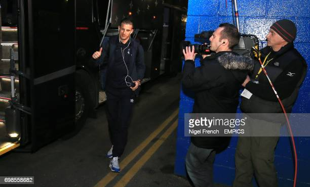Everton's Kevin Mirallas arrives at Stamford Bridge for the game against Chelsea