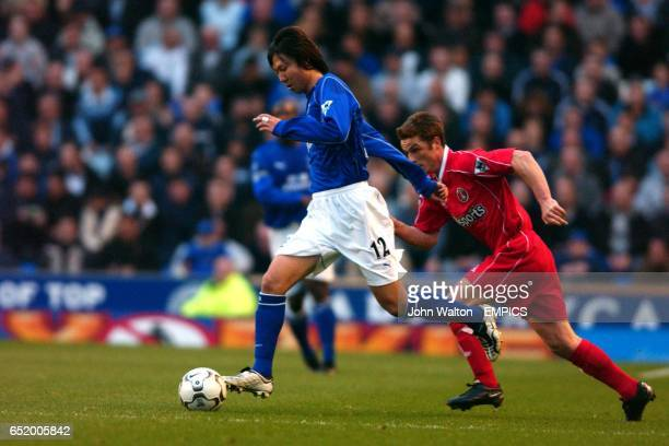Everton's Lie Tie goes on the attack watched by Charlton Athletic's Scott Parker