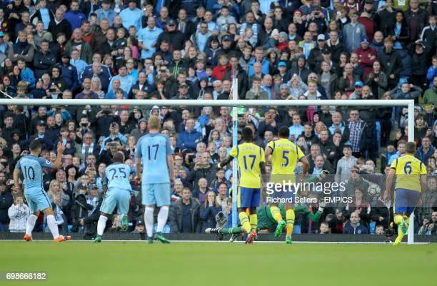Everton's Maarten Stekelenburg saves the penalty from Manchester City's Sergio Aguero