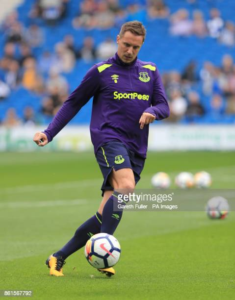 Everton's Phil Jagielka warms up ahead of the Premier League match at the AMEX Stadium Brighton
