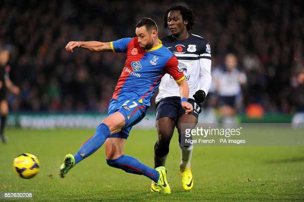 Everton's Romelu Lukaku and Crystal Palace's Damien Delaney battle for the ball