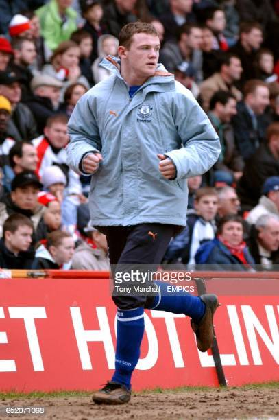 Everton's Wayne Rooney warms up during the game against Charlton Athletic