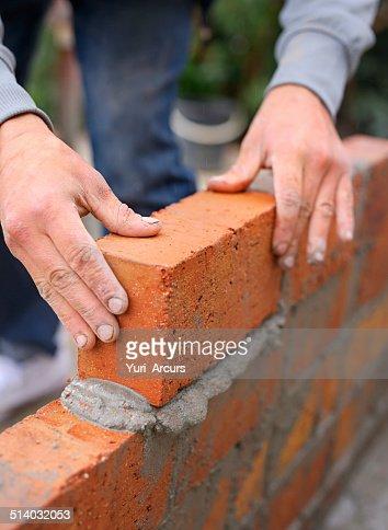 Tout est construit une brique à la fois