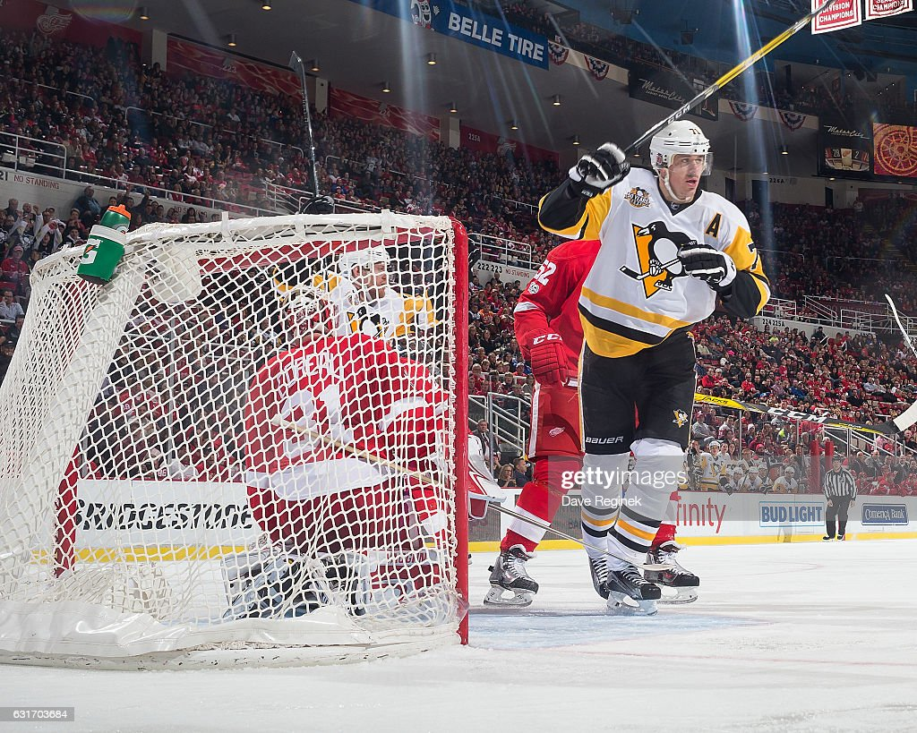 Evgeni Malkin #71 of the Pittsburgh Penguins celebrates his second period goal on Jared Coreau #31 of the Detroit Red Wings during an NHL game at Joe Louis Arena on January 14, 2017 in Detroit, Michigan.
