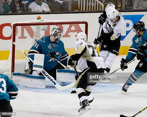 Evgeni Malkin of the Pittsburgh Penguins scores against Martin Jones of the San Jose Sharks in the second period of Game Four of the 2016 NHL Stanley...
