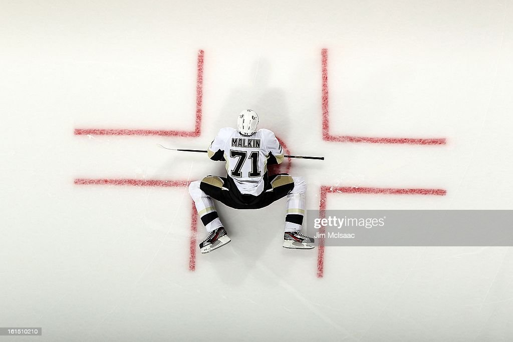 Evgeni Malkin #71 of the Pittsburgh Penguins warms up before playing against the New Jersey Devils at the Prudential Center on February 9, 2013 in Newark, New Jersey.
