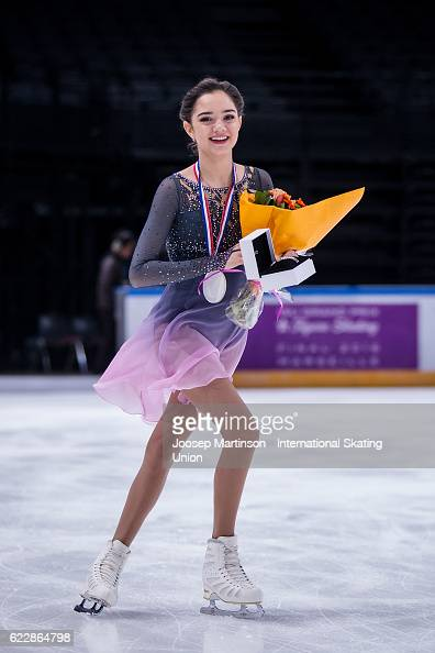 Евгения Медведева - 2 - Страница 46 Evgenia-medvedeva-of-russia-celebrates-winning-the-ladies-singles-on-picture-id622864798?s=594x594
