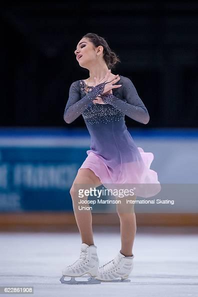 Евгения Медведева - 2 - Страница 45 Evgenia-medvedeva-of-russia-competes-during-ladies-free-skating-on-picture-id622861908?s=594x594