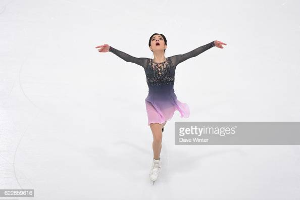 Евгения Медведева - 2 - Страница 45 Evgenia-medvedeva-of-russia-competes-in-the-womens-free-skating-on-picture-id622859616?s=594x594