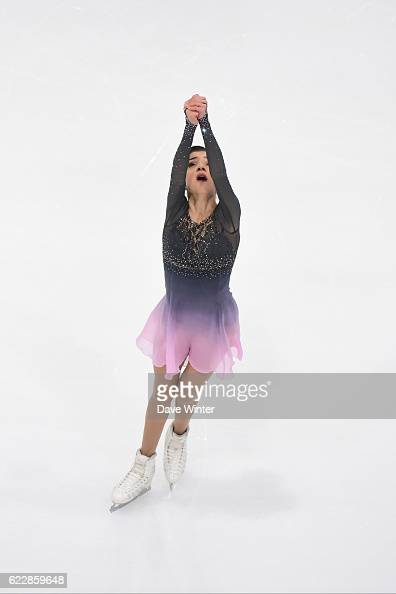 Евгения Медведева - 2 - Страница 45 Evgenia-medvedeva-of-russia-competes-in-the-womens-free-skating-on-picture-id622859648?s=594x594
