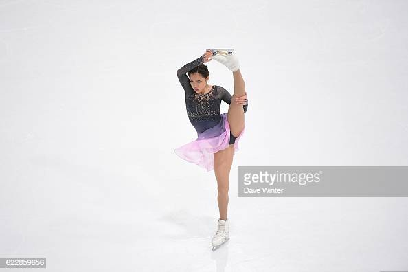 Евгения Медведева - 2 - Страница 45 Evgenia-medvedeva-of-russia-competes-in-the-womens-free-skating-on-picture-id622859656?s=594x594