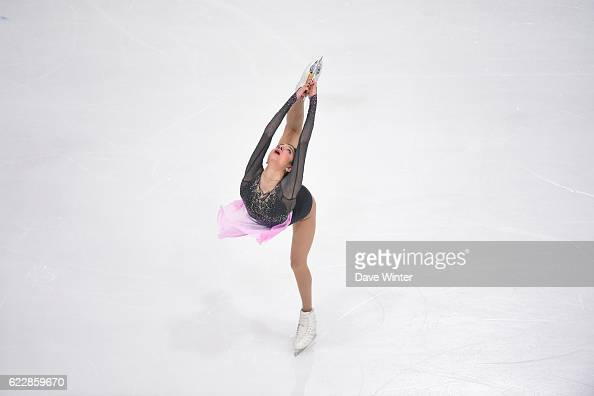 Евгения Медведева - 2 - Страница 45 Evgenia-medvedeva-of-russia-competes-in-the-womens-free-skating-on-picture-id622859670?s=594x594
