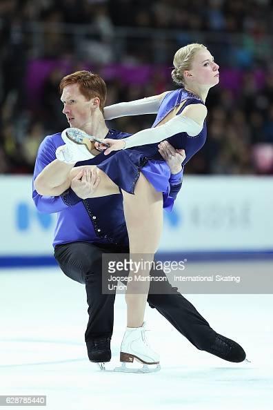 Evgenia Tarasova and Vladimir Morozov of Russia compete during Senior Pairs Free Skating on day two of the ISU Junior and Senior Grand Prix of Figure...