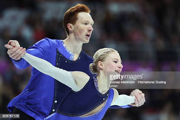 Evgenia Tarasova and Vladimir Morozov of Russia compete during Senior Pairs Free Skating on day two of the ISU Junior and Senior Grand Prix of Figure...
