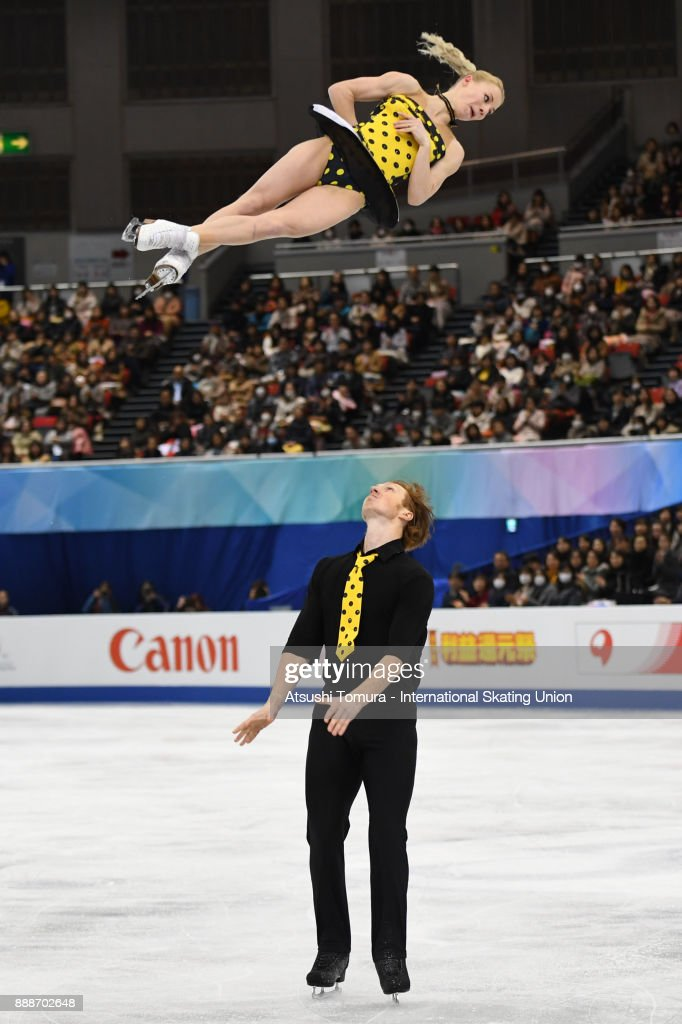 Евгения Тарасова - Владимир Морозов-2 Evgenia-tarasova-and-vladimir-morozov-of-russia-compete-in-the-pairs-picture-id888702648