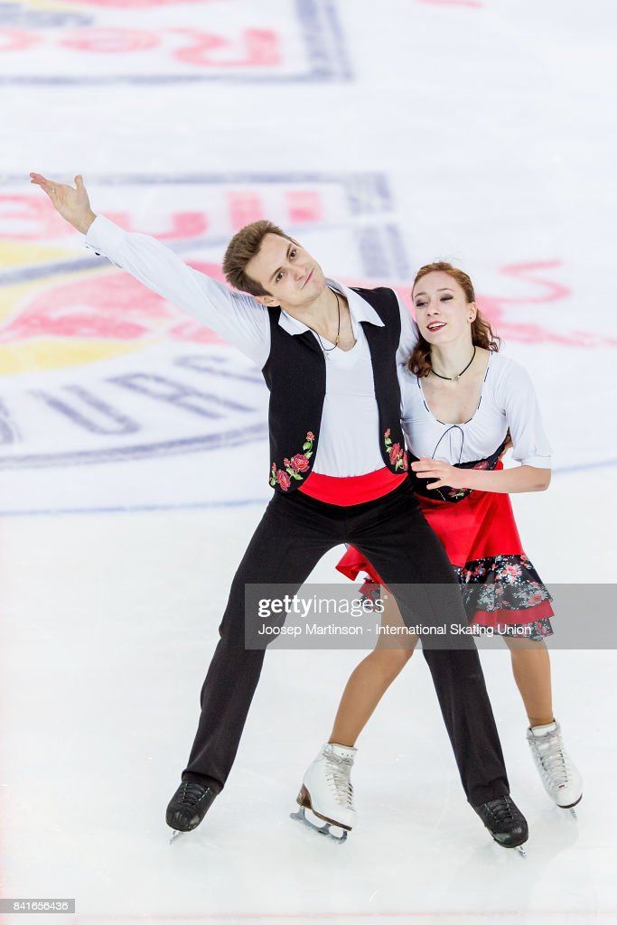СШОР «Сокольники» (Москва, Россия) - Рублева-Шефер - Страница 2 Evgeniia-lopareva-and-alexey-karpushov-of-russia-compete-in-the-ice-picture-id841656436