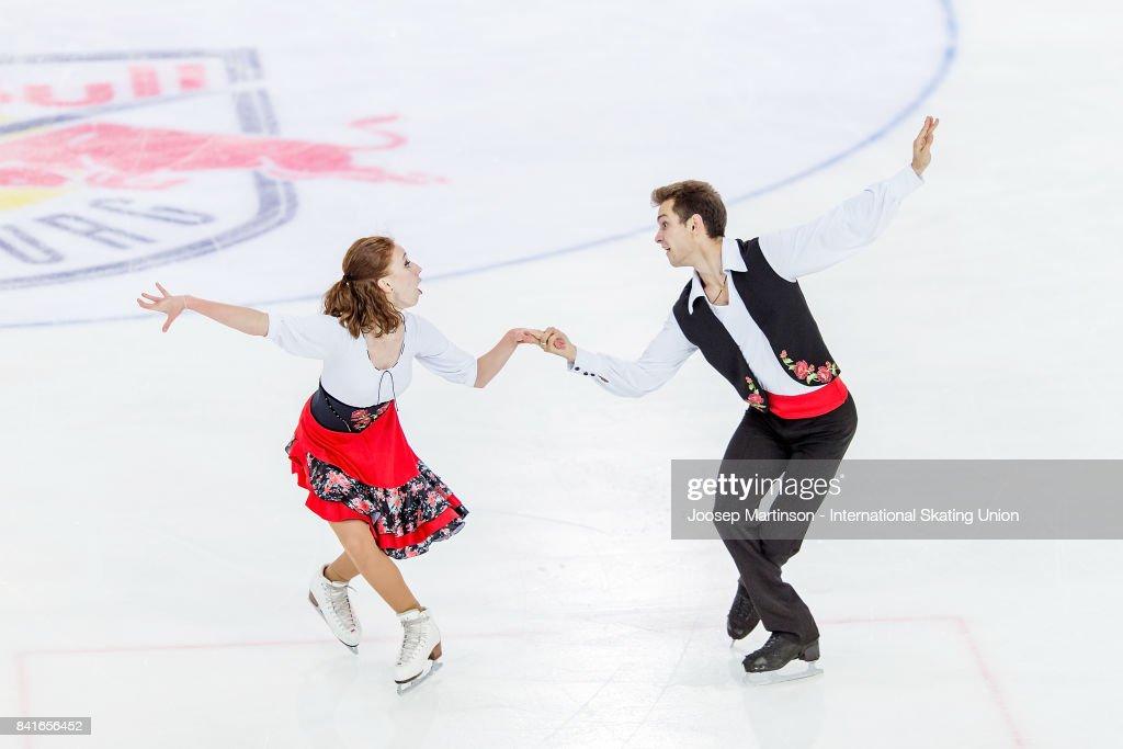 СШОР «Сокольники» (Москва, Россия) - Рублева-Шефер - Страница 2 Evgeniia-lopareva-and-alexey-karpushov-of-russia-compete-in-the-ice-picture-id841656452
