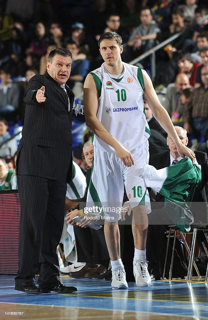 Evgeny Pashutin, Head Coach of Unics Kazan and <a gi-track='captionPersonalityLinkClicked' href=/galleries/search?phrase=Bostjan+Nachbar&family=editorial&specificpeople=202138 ng-click='$event.stopPropagation()'>Bostjan Nachbar</a>, #10 in action during the Play Off D Game Day 1 between FC Barcelona Regal v Unics Kazan at Palau Blaugrana on March 20, 2012 in Barcelona, Spain.