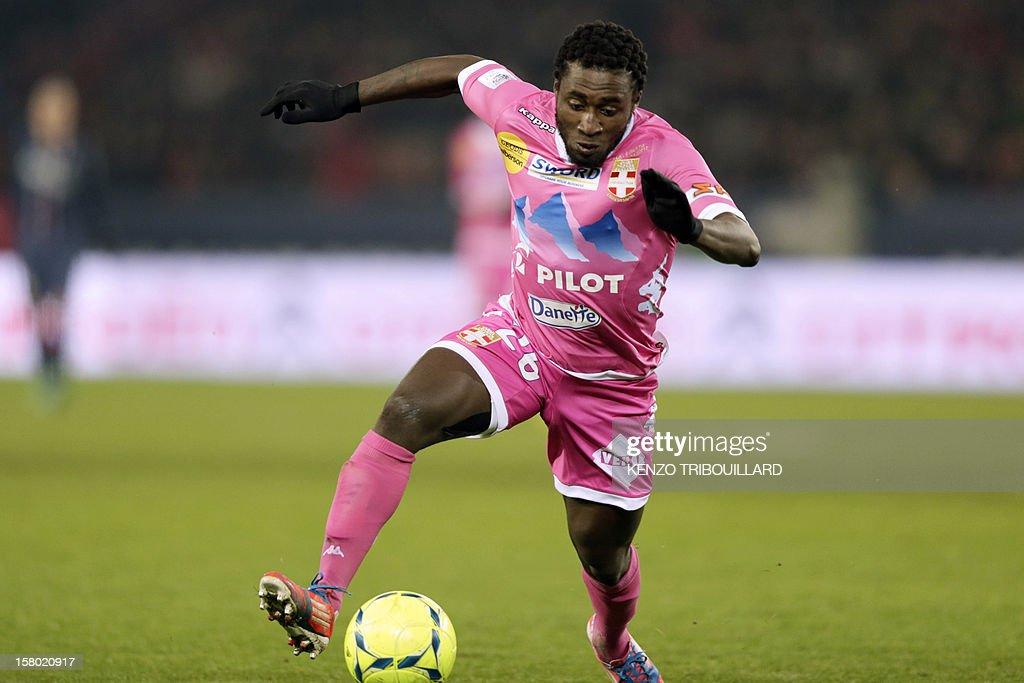 Evian's Ivorian defender Brice Dja Dje Dje controls the ball during the French L1 football match Paris Saint-Germain (PSG) vs Evian Thonon Gaillard (ETGFC) on December 8, 2012 at the Parc des Princes stadium in Paris. Paris won 4-0.