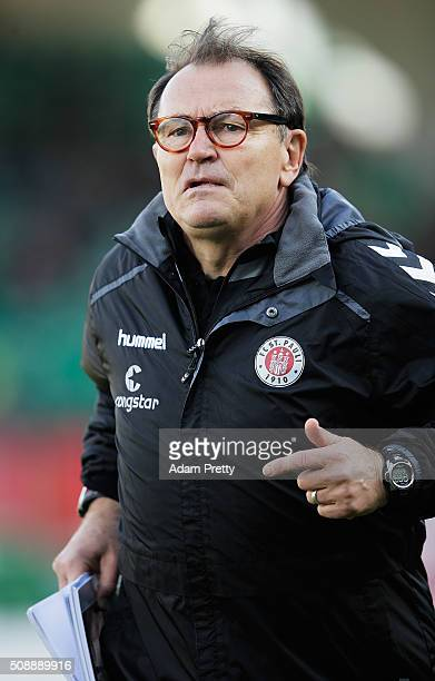 Ewald Lienen Head Coach of of St Pauli before the 2 Bundesliga match between Greuther Fuerth and FC St Pauli at Stadion am Laubenweg on February 7...