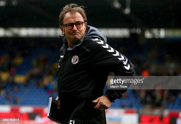 Ewald Lienen head coach of St Pauli looks on before the Second Bundesliga match between Eintracht Braunschweig and FC St Paul at Eintracht Stadion on...