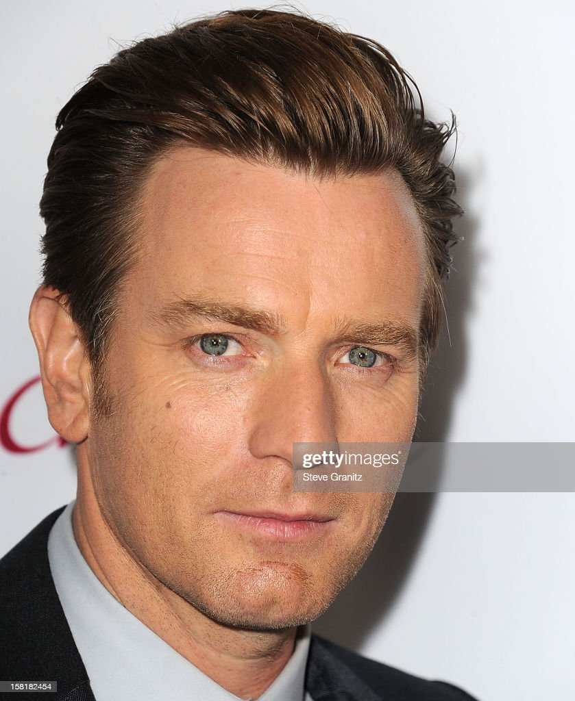 Ewan McGregor arrives at the 'The Impossible' - Los Angeles Premiere at ArcLight Cinemas Cinerama Dome on December 10, 2012 in Hollywood, California.