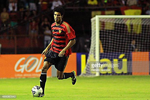Ewerton Pascoa of Sport Recife in action during the the Brasileirao Series A 2014 match between Sport Recife and Bahia at Ilha do Retiro Stadium on...