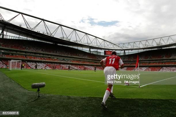 Ex Arsenal player Glen Helder takes corner during the Dennis Bergkamp Testimonial match against Ajax at the new Emirates Stadium London