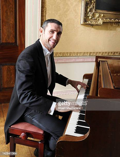 Ex Arsenal player Martin Keown joins current Arsenal FC 1st team players and stars from the English National Ballet to film a video for Official...