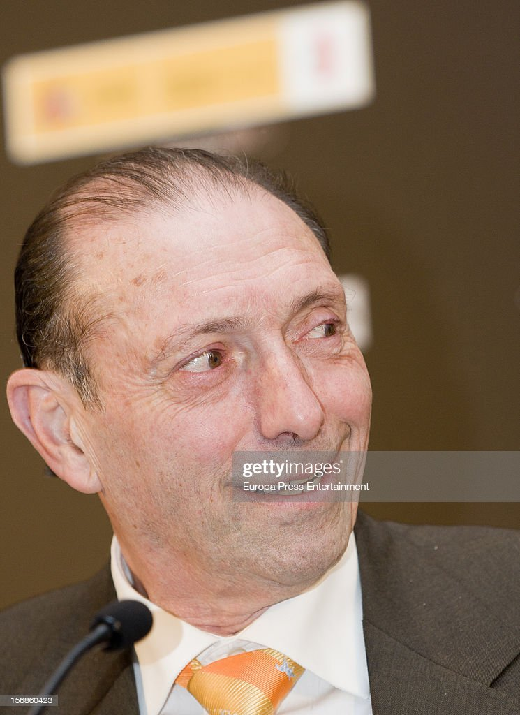 Ex football player 'Quini' attends the presentation of 'El brujo ante el espejo', his autography film directed by Rai Garcia, on November 22, 2012 in Oviedo, Spain.