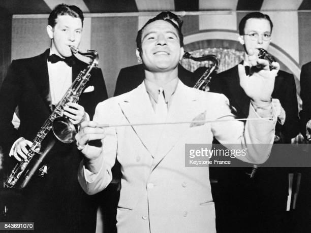 L'exchampion de boxe américain exdanseur et exacteur Max Baer reconverti en chef d'orchestre de jazz circa 1930 à Los Angeles CA