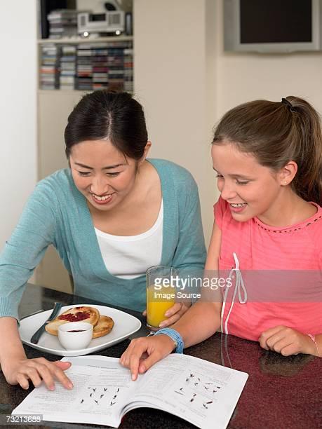 留学生とガールでの朝食