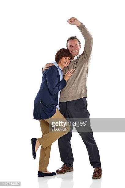 Glücklich Älteres Paar stehen zusammen auf Weiß
