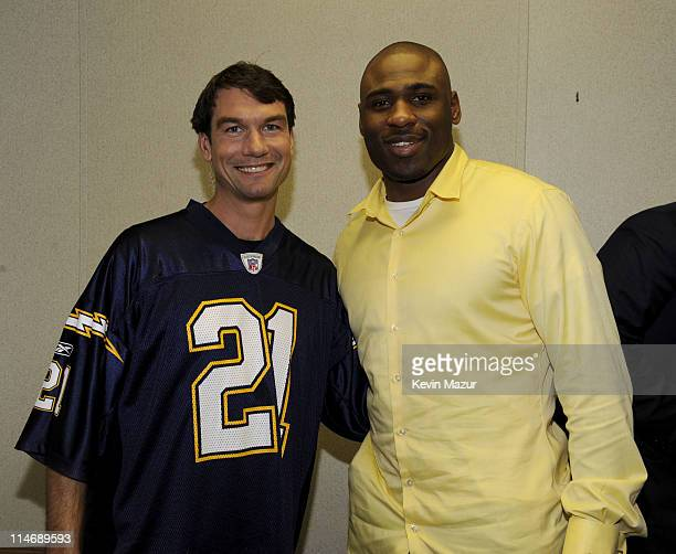 **Exclusive** Actor Jerry O'Connell with The New York Giant's Brandon Jacobs backstage at Pepsi Smash Super Bowl Bash presented by VH1 at Ford...