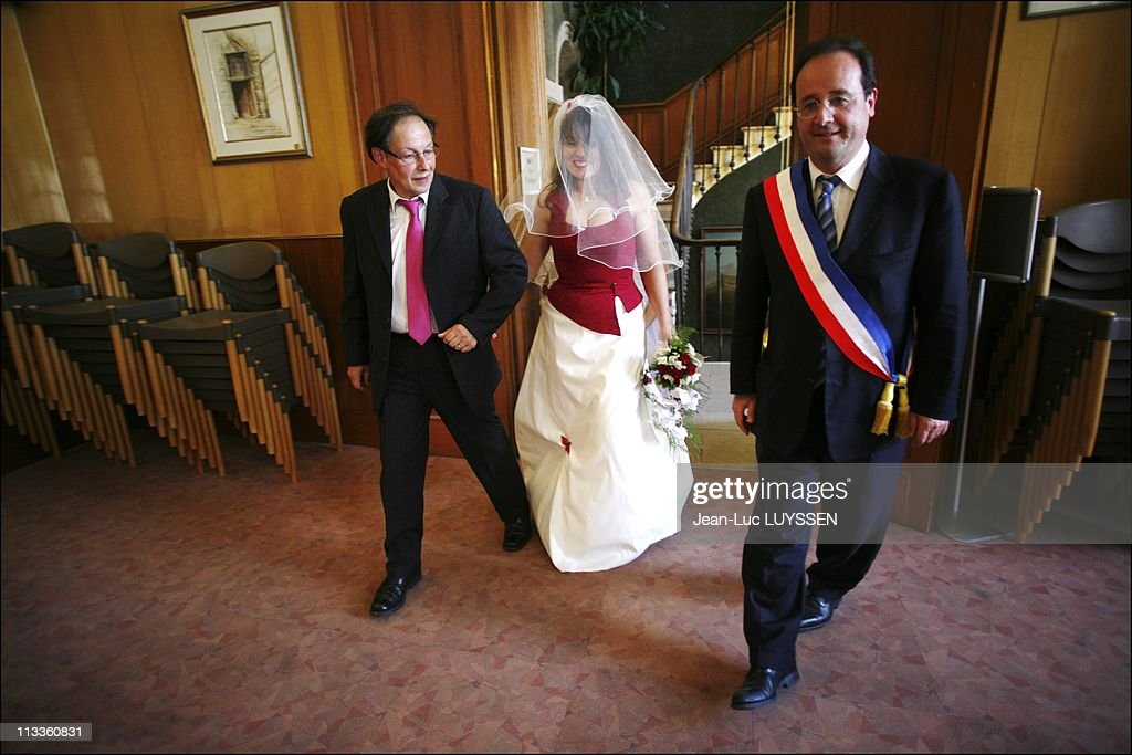 Exclusive Francois Hollande Before The Second Round Of Legislative Elections In His Constituency In Tulle France On June 16 2007 Francois Hollande...