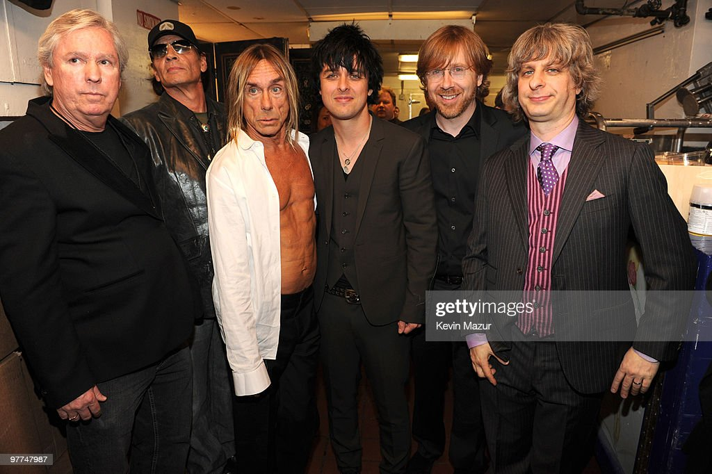 25th Annual Rock And Roll Hall Of Fame Induction Ceremony - Backstage