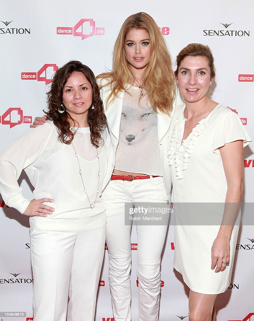 Executive Director of dance4life USA Michele Giordano, Model Doutzen Kroes and Communications Manager at dance4life Pom Zwart attend dance4life Cocktail Party at Milk Studios on October 27, 2012 in New York City.