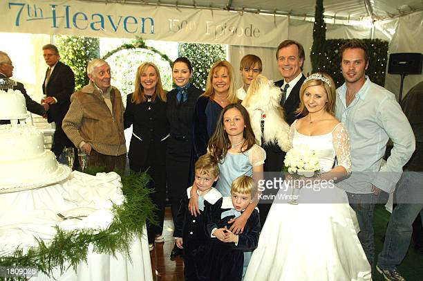 Executive producer Aaron Spelling and executive producer/creator Brenda Hampton with the family actors Jessica Biel Catherine Hicks David Gallagher...