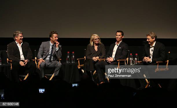 Executive Producer John Wells Actor Scott Speedman Actor Ellen Barkin Actor Shawn Hatosy and Executive Producer writer Jonathan Lisco participate in...